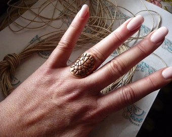 Knuckle Ring, Armor, Shield, Wide, Long, Boho, armor, shied, knuckle, fine copper ,Copper ring, oxidized, patinated, pattern, size 5 1/2