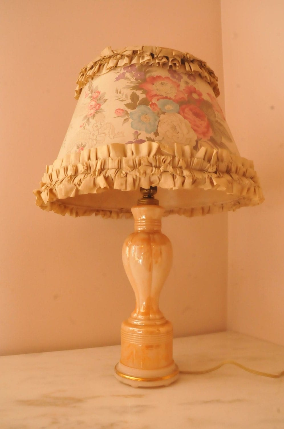 Antique Aladdin Peach Lustre Lamp Shabby Cabbage Roses Shade