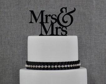 Mrs and Mrs Same Sex Wedding Cake Topper, Traditional and Elegant Wedding Cake Toppers in Custom Color, Trendy Modern Wedding Topper (T003)
