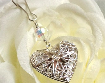 Heart shaped Wedding bouquet charm locket. Crystal or pearl bridal bouquet charm. Bridal shower gift.