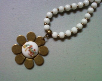 White and Brass Flower Necklace (0745)
