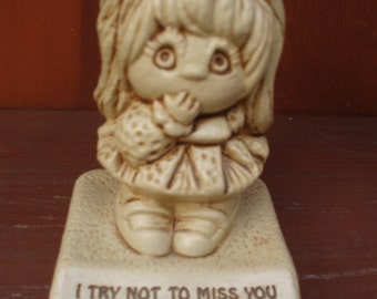 "Paula 1977 Sculpted Resin Figurine ""Missing You"" W535"