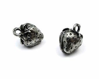 Antiqued Silver Plated Pewter Strawberry Charms (4X) (V312)
