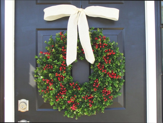 THIN Boxwood Red Berries Christmas Wreath- Holiday Wreaths- Winter Wreath- Ready to Ship- Holiday Decor-Christmas Decor-Christmas Decoration