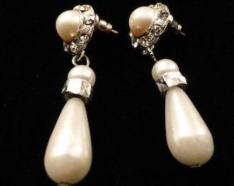 VINTAGE faux Pearl and rhinestone dangle pierced earrings