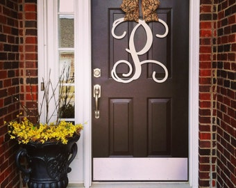 Custom Single MONOGRAM door hanger / BURLAP bow/ House warming gift/Block and Script/chevron/Initial/wooden/wedding gift/front door decor