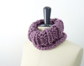 ON SALE Chunky Snood / Circle Scarf / Neckwarmer. Lilac Purple. Hand Knit. Women / Children / Teens. Fall / Winter