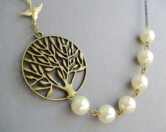 Tree Of Life and Ivory Pearl Statement Necklace / Tree Necklace / Pearl Necklace / Ivory Necklace / Wedding Necklace / Bridesmaid Jewelry