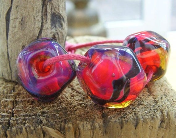 Lampwork Glass Beads Vamp Hot Pink Rocks