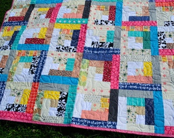 Bright log cabin quilt