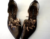 Chocolate closed toe and back handmade shoes with soft buff bows size 9/9.5
