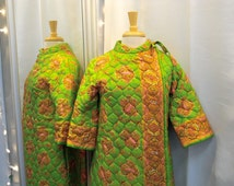 Vintage 1960s Quilted Robe Lime Green and Pink Paisley Print Quilted Short Robe Zip Front Robe House Wear Lounge Wear Hostess Robe Size XS S