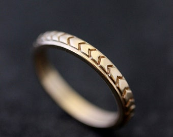 Chevron Wedding Band in 14k Yellow Gold or 14k Rose Gold, Triangle Pattern in Recycled 14k Yellow Gold or 14k Rose Gold