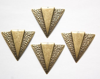1 Hole Brass Ox Hammered Triangle with Smooth Triangle Pendant (4) mtl371D