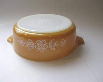 Pyrex Butterfly Gold One Pint Baking Dish - Retro Vintage