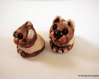 SALE - 2 Brown Cats Beads Animal Bead Ceramic Hand Painted Glazed 16x13mm - 2 pc - 6138