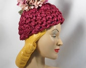 Vintage 30s - 40s Hat Bright Fuchsia Woven Pixie Novelty Style with Florals by Sara Sue Sz 21 - alleycatsvintage