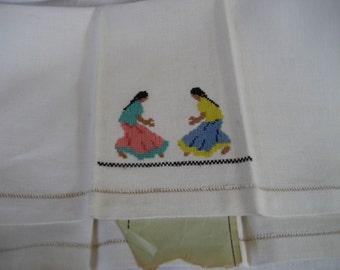 VINTAGE 2 Women Stitched Linen Finger Tip Hand Towel