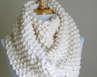 Chunky Scarf, Circle Scarf, Infinity Scarf, Knit Scarf, Women's Scarf, Winter Scarf, Hand Knitted Scarf, Winter White Scarf, Original Design