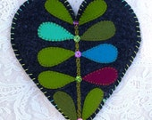 Sachet - Wool Felt Heart Lavender Filled Sachet In Charcoal Gray Bright Greens Blue Fuschia (SF 215)
