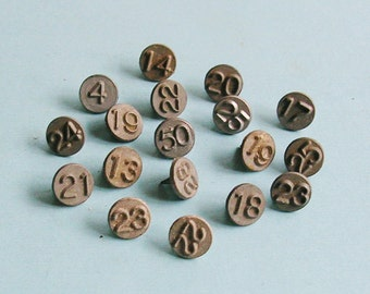 5 Vintage Metal Numbered Tacks Steampunk DIY Jewelry Tacks