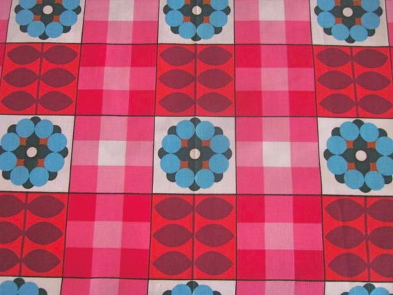 1970s  Cotton Fabric Mod/Scandi Flower Fabric - Red, Pink And Blue, Unused