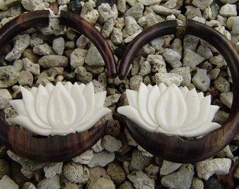 Fake Gauge Earrings , White Bone ,wood Split Gauge Earrings ,hand carved,organic,naturally