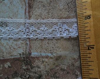 """Vintage White Flat lace trim - 15 continuous yard length x  3/4"""" width"""