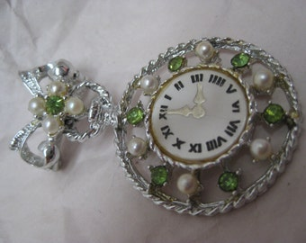 Watch Pearl Rhinestone Green Brooch Silver Dangle Vintage Pin