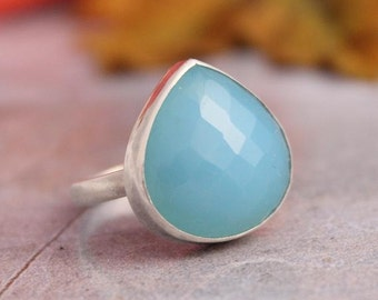 Blue chalcedony ring - Gemstone ring - Bezel ring - Bold ring - Blue ring - Faceted ring - heart ring - Gift for her