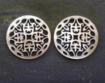 "Pair Black Round Cutout Carvings 1 3/16"" 30mm Chandelier Earrings Tahitian Mother of Pearl"