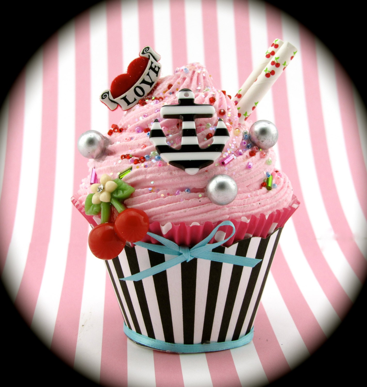Fake cupcake anchor cherries and heart rockabilly vintage zoom magicingreecefo Images