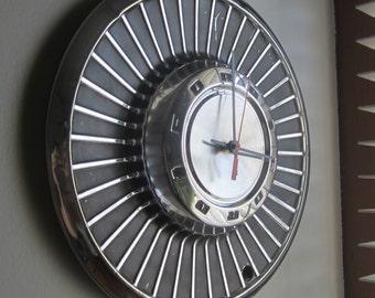 1958 Ford Thunderbird Hubcap Clock no.2495