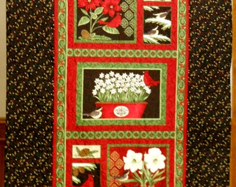 Christmas Quilt / Pointsettia Quilt / Holiday Quilt / Holiday Blanket / Christmas Cardinal