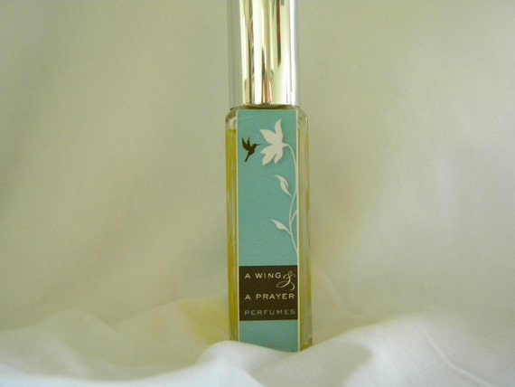 SkyDancer Perfume the perfect blending of Saffron and Osmanthus, is liquid art.