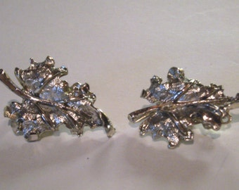Vintage Earrings - Silver Toned - Leaf Clip On Earrings - Clip Ons - Leaves Earrings - Silver Leaf Earrings - Costume Jewelry