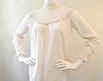 Exquisite Vintage White Crocheted Peasant Blouse 1970's