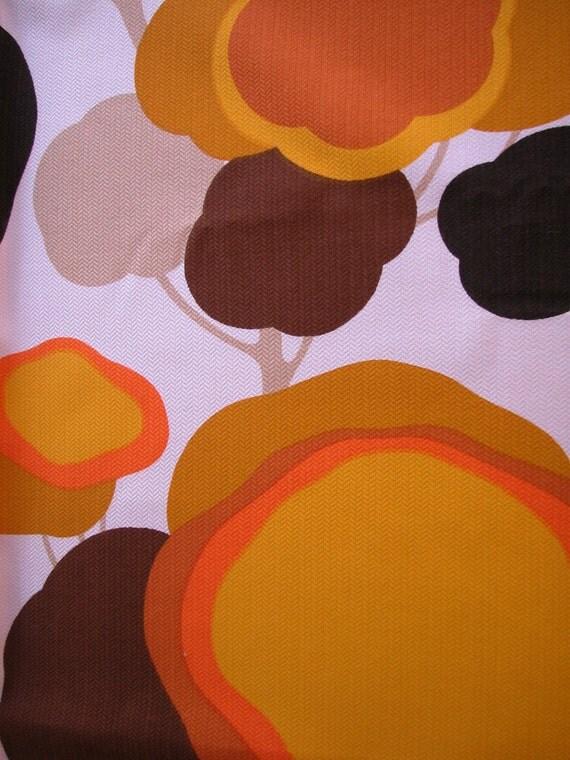 tissu annees 70. Black Bedroom Furniture Sets. Home Design Ideas
