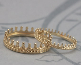 Solid 14K Yellow Gold Crown Band Set--Check Mate--Gold Crown Ring--Queen or King Wedding Band Set--His and Hers Bands--Wedding Rings