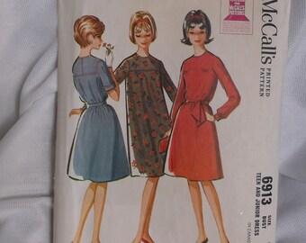 1963 McCalls Junior Dress Pattern 6913 Yoke bodice jewelry neckline log and short sleeves  Bust 33