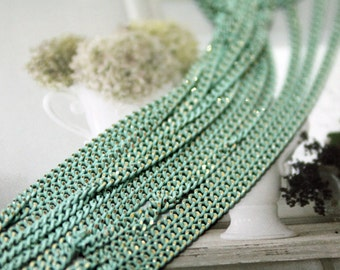 Shiny mint chain
