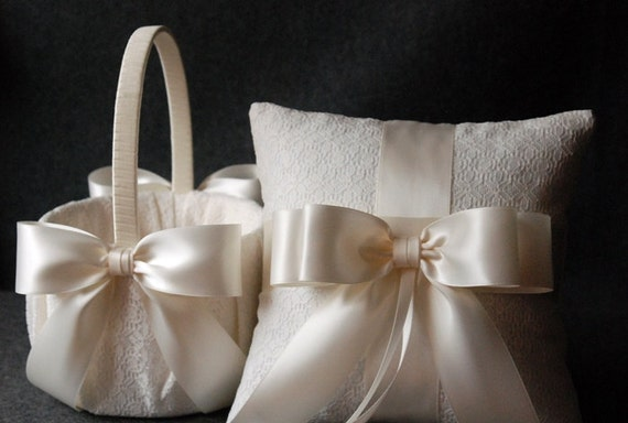 Flower girl basket and pillow set : Wedding ring pillow and flower girl basket set light ivory
