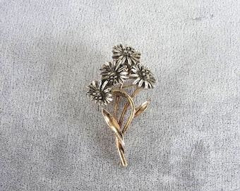 Two Tone Flower Pin Signed ART Vintage