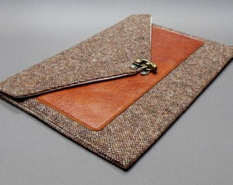 iPad Pro / iPad / iPad Air case with leather pocket - brown tweed