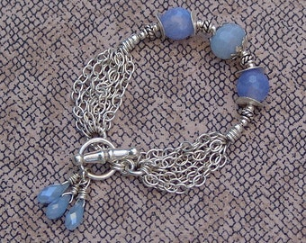 Sterling Silver Chain Link Bracelet with Fire Blue Agate And Chalcedony