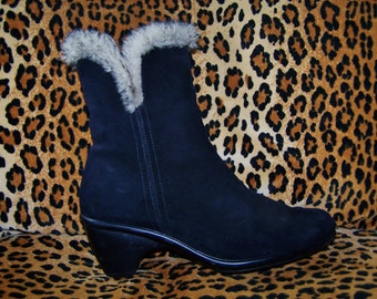 8 Leather ankle boot fur trimmed size 8
