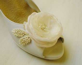 Wedding accessories, Embroidered Shoe clips, Bridal Shoes, Wedding Shoes, Wedding gifts, Shoe Clips, Bridal accessories, boho bride