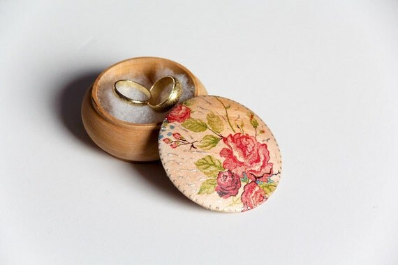 Red Roses Wedding ring box, ring bearer box, jewelry box, eco friendly, gift ideas