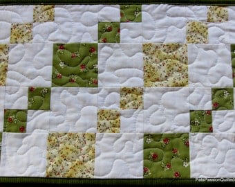 Quilted Table Runner, Green White Table Runner, Summer Table Runner