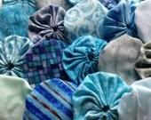 fabric yoyo in Brilliant Aqua Marine Blue, 25 pieces, yo yo suffolk Embellishment APPLIQUE GARLAND